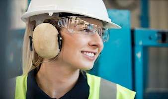 Signs you should replace your safety glasses